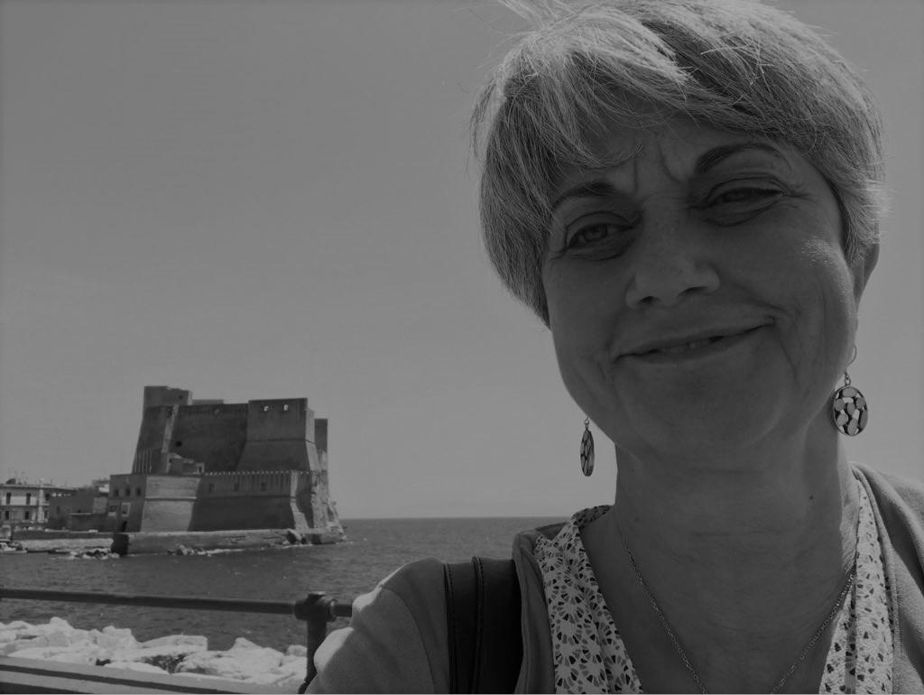 https://www.sfide-lascuoladitutti.it/wp-content/uploads/2018/02/Renata-Averna.jpg